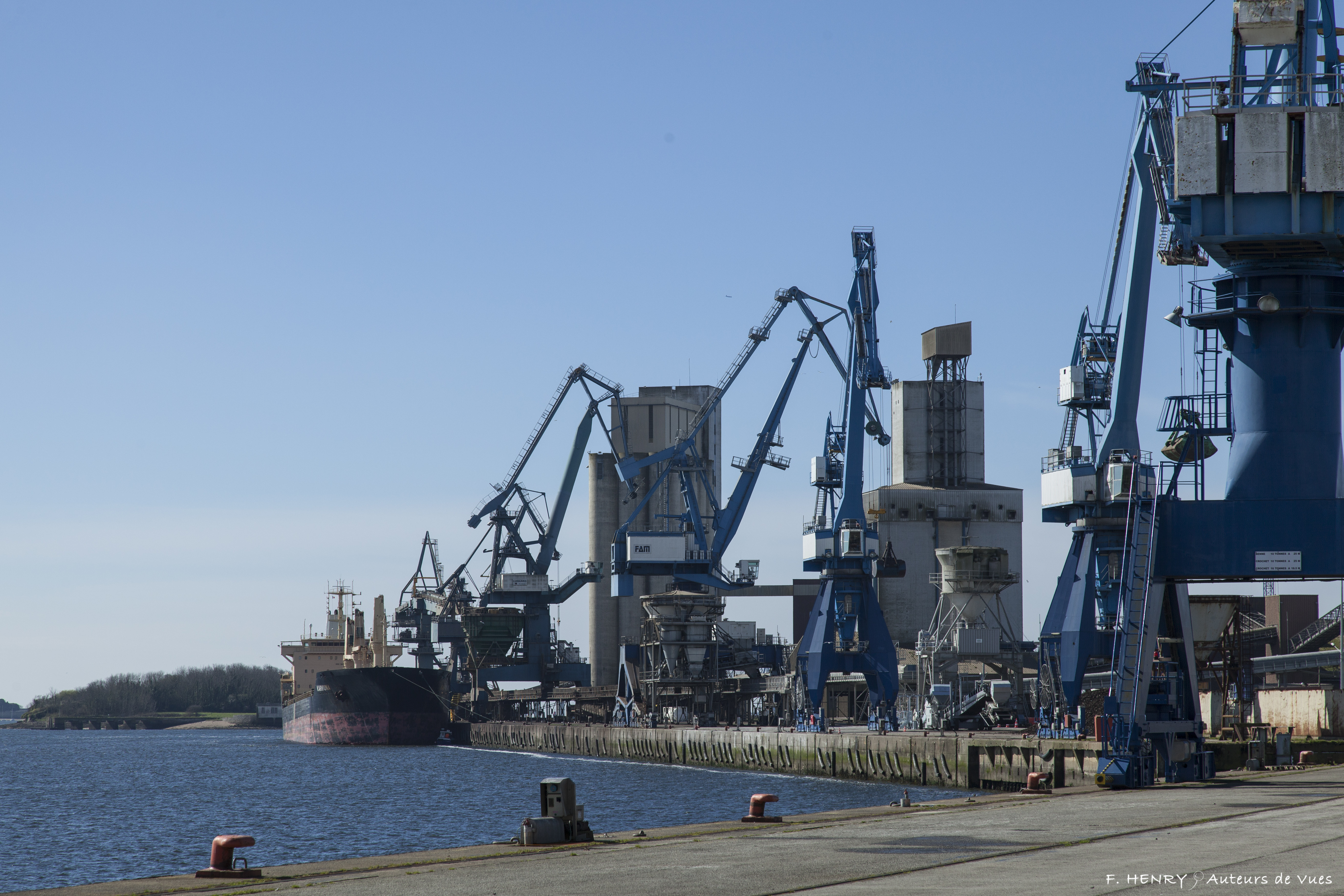 Le port de commerce de lorient en ligne chambre de commerce et d 39 industrie du morbihan - Chambre de commerce morbihan ...