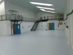Atelier 417 m2 ZI Caudan